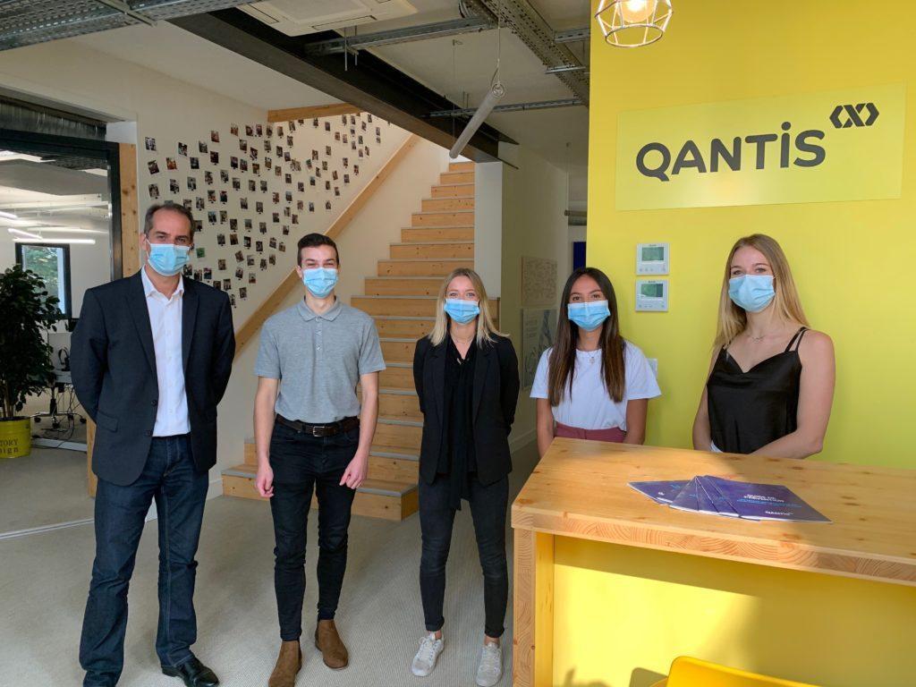 4 alternants ont débuté leur expérience professionnelle chez Qantis