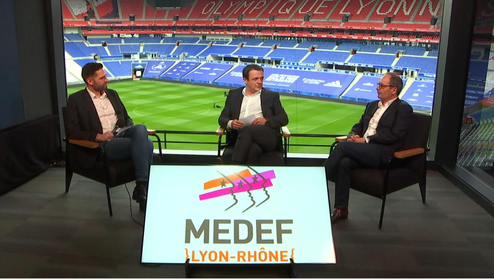 Passation de pouvoir et voeux entre les Présidents du MEDEF Lyon-Rhône : Laurent Fiard, Président de 2014 à 2020 et Vice-Président depuis 2021, et Gilles Courteix, de Courteix Bâtiment, ancien Président de la FBTP Rhône et FFB AURA, Président du MEDEF Lyon-Rhône depuis 2021